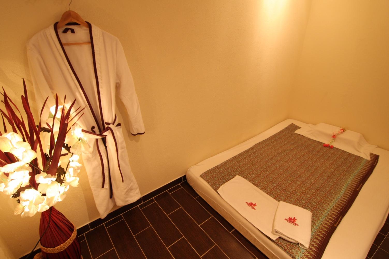 Massage in kamer malakka uden mandarin spa - Spa kamer ...